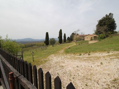 Photo for Tuscan Hills, beautiful two-room apartment for 2/4 people, lovely view and swimming pool
