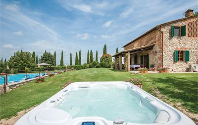 Photo for 4 bedroom accommodation in Monteroni d'Arbia