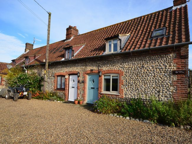 2 bedroom cottage in west beckham becn8 holt wimborne for 2 bedroom cottage