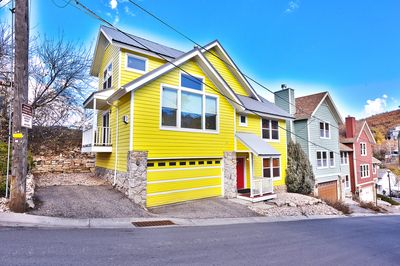 Fantastic Home with Great Light & Ski Mountain Views 40 steps from Main Street