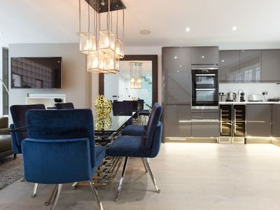 Photo for Luxury 3 BR Mews in South Ken + Stylish Interior