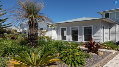 Photo for Hideaway at Culburra - guest house with plunge pool