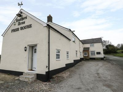 Photo for Butchers Arms Cottage, NERCWYS