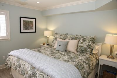 Cozy King Size in Master Suite. Dimmable Recessed Lighting.