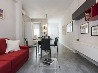 Photo for Pomona - Welcoming and modern 2 bedroom apartment, Oltrarno area