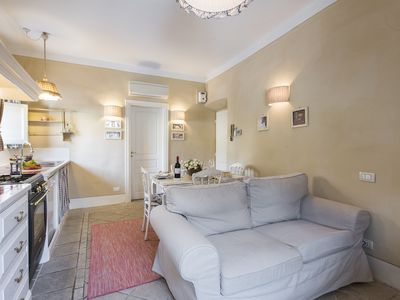 Photo for Toscanella - Tastefully decorated romantic 2bdr in Florence
