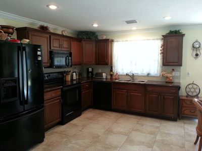 Photo for Relaxing Sunny Home in Quiet Area, 2 Bed,2 Bath - 5Min. to Siesta Key Beach.