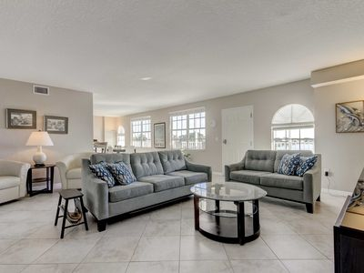 Photo for Dockside Condo w/Pool: 2Blocks to Clearwater Beach