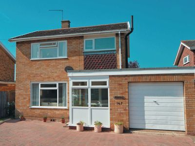 Photo for 3 bedroom accommodation in Gorleston-on-Sea