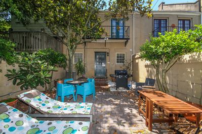 Relax, grill out and eat in the private courtyard.