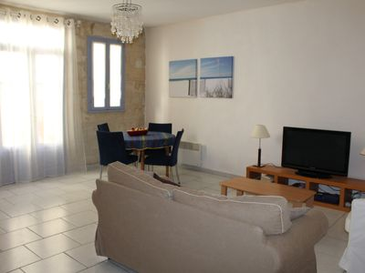 Photo for Apartment 3 Rooms + Terrace - Building of the seventeenth century in Provence