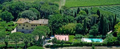 Photo for Private Villa with private pool, WIFI, TV, balcony, panoramic view, parking, close to Perugia