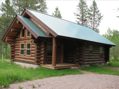 Photo for Deluxe Log Cabin, 2 Bed, 1 Bath and Kitchen on Flathead River