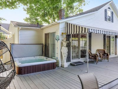 Photo for Dog-friendly cottage with private hot tub - steps to downtown!