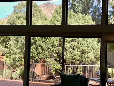 With views of Thunder Mountain and Coffee Pot Rock