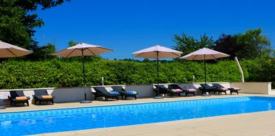 11 x 5m crystal clear pool for all ages to enjoy, with plenty of sun loungers