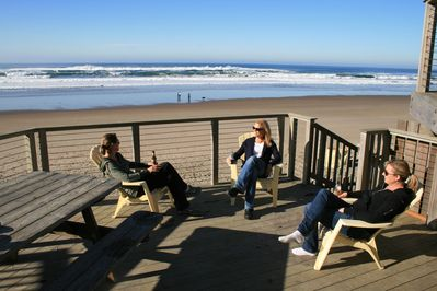 Charlie's Place - A perfect deck to enjoy the Oregon Coast!