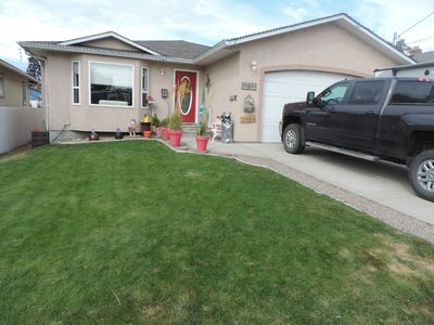 Front yard, lots of room