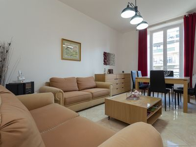 Photo for Large 3 rooms at 80 meters from the beaches of Nice, parking, air conditioning