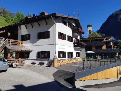 Photo for Spacious and bright mansard in the heart of the Dolomites.