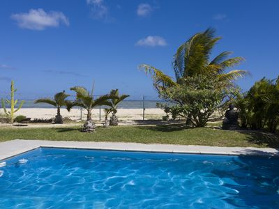 Photo for Chalet Kestrel waterfront, private pool, wifi, beautiful beach and snorkeling