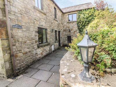 Photo for ROWAN HOUSE, pet friendly, with open fire in Giggleswick, Ref 398