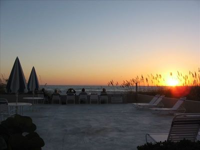 Photo for Find Beauty And Peace On Lido Key Beach 2br/2ba W/gulf Views