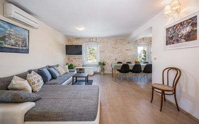 Photo for Holiday house Pula for 10 - 12 persons with 4 bedrooms - Holiday house