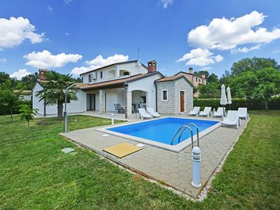 Photo for Villa with private pool, 3 bedrooms, 2 bathrooms, washing machine, air conditioning, WiFi, pets allowed, garden with barbecue