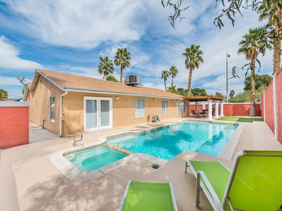 Photo for Pool and Spa property minutes from the Las Vegas Strip!
