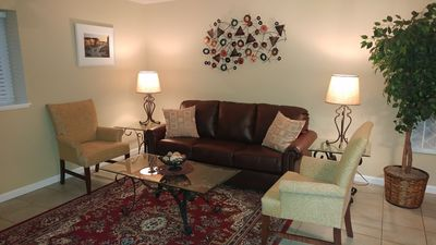 Photo for Clean, bright one bedroom apartment.