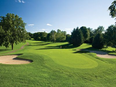 Quiet Group Retreat Near Golf Courses, Gull Lake and Casino
