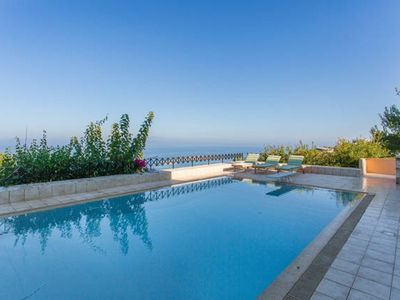 Photo for Vravrona Luxurious Villa & Pool Aegean View