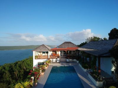 Photo for Top of the World, 5 en suite bedrooms, private pool, cooling breeze, WIFI.