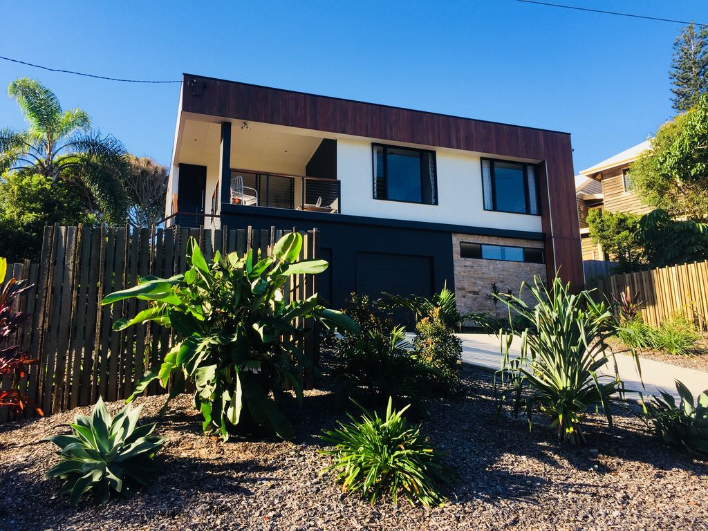 Fantastic house in Sunshine Beach close to the beach, restaurants, cafes & bars