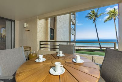 Private Lanai perfect for al fresco dining!
