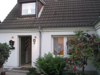 Photo for Living on 92 sqm with HD TV, Internet, garden, centrally located up to 6 people