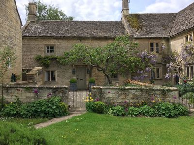 Photo for 3BR Cottage Vacation Rental in Burford