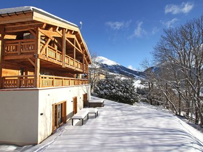 Photo for Comfortable 8-person Chalet with Jacuzzi in the ski resort of L'Alpe d'Huez