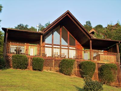 Photo for Hooked in the Smokies 2! Near to the Great Smoky Mountains / major attractions!