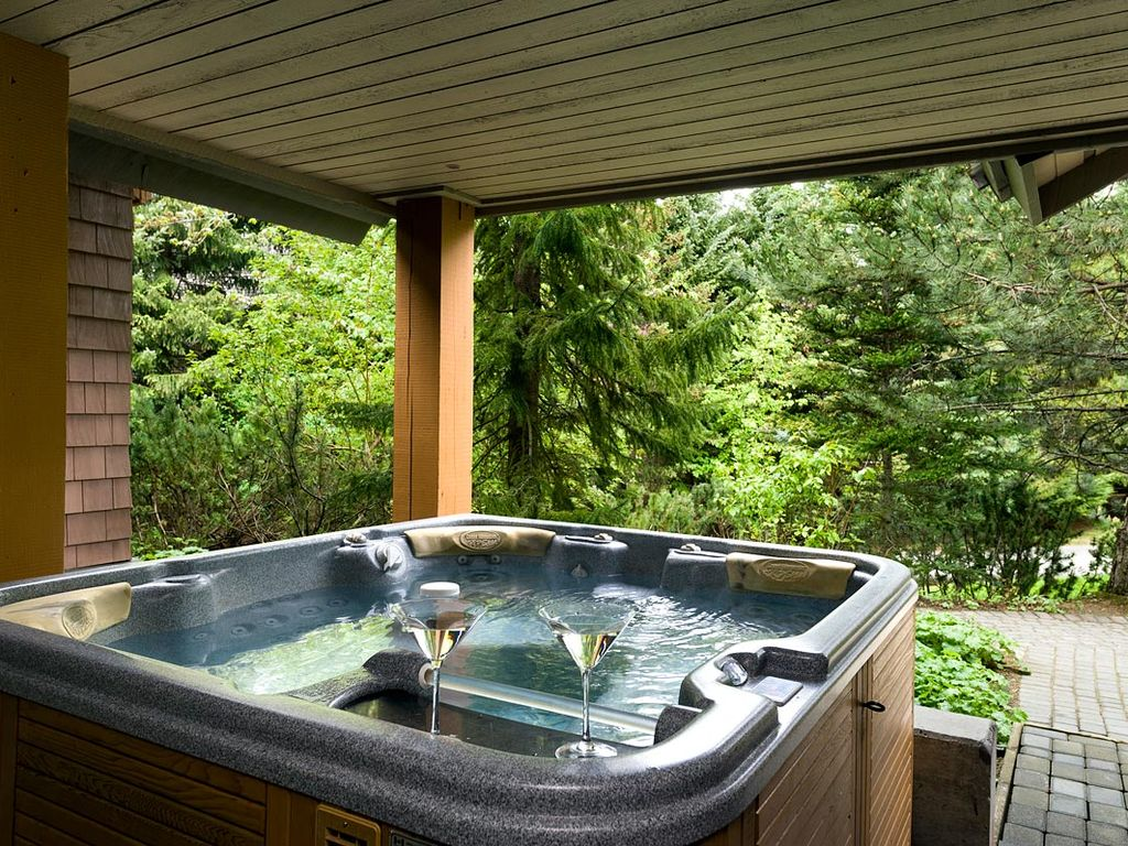 83 Glaciers Reach, a 1br with hot tub & pool in Whistler Village: 83 ...