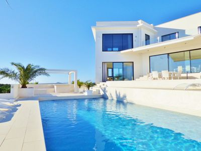 Photo for MODERN LUXURY DESIGNER VILLA, 5 MIN z. BEACH, BEAUTIFUL SEA / MOUNTAIN VIEW