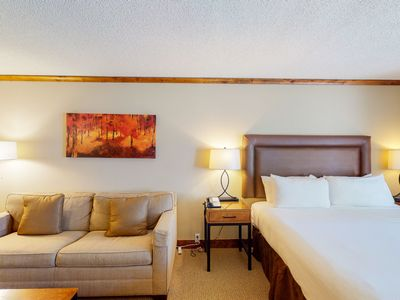 Photo for First-floor room w/shared firepit, hot tub, outdoor pool, gym - walk to lifts!