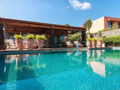 Photo for Cosy apartment for 6 people with hot tub, private pool, A/C, WIFI, TV, pets allowed and parking