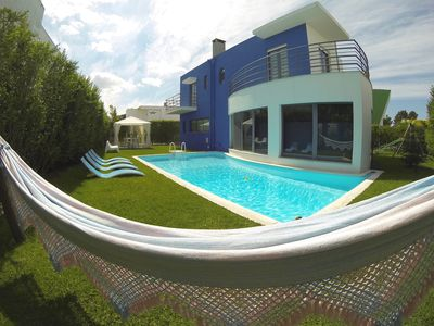 Photo for Sunny Villa with Pool and Golf Arrabida