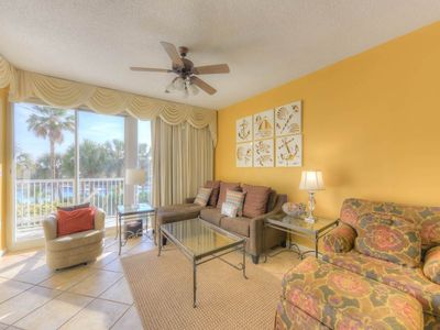 Beautiful Condo w/ Pool View! Pools, Gazebo, Fitness Center and more!