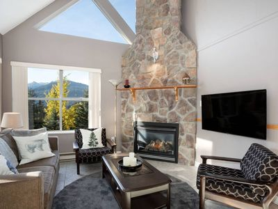Photo for Mountain-Side 3Br/2Ba - HotTub/Views/Free Parking