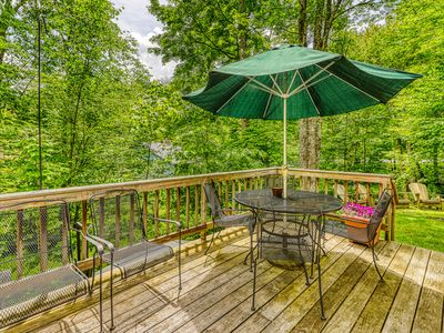 Photo for NEW LISTING! Dog-friendly skier's paradise w/ fireplace, grill & furnished deck