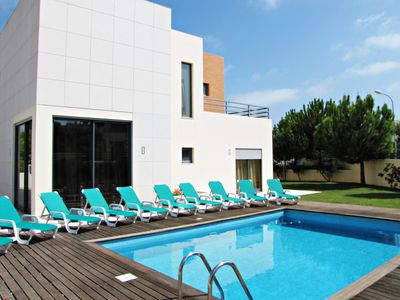 Photo for Luxury Villa, 4 Bedrooms, Sleeps 8,Free Wi-Fi, Privat Pool, BBQ, Air-con.