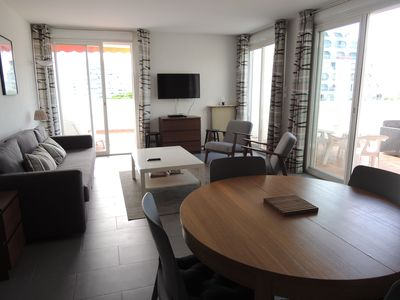 Photo for Large 2 room cabin of 60m2 in the city center